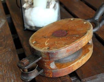 Antique Vintage Wood Anvil Western Block Company Pulley Block