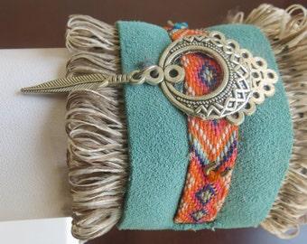 Noble feather leather bracelet