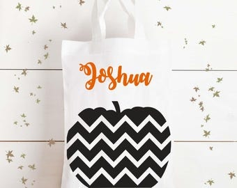 Trick or Treat Halloween Pumpkin bag - personalised bag, loot bag, candy bag, goody bag, sweet bag, Halloween decorations, Autumn Bag, Fall
