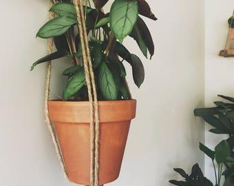 Jute Plant Hanger - One Knot