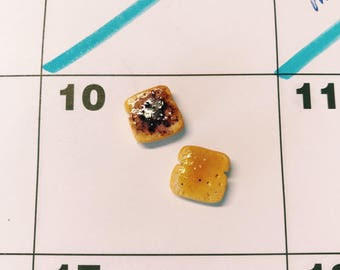 peanut butter and jelly earrings, pb&j, stud earrings, food jewelry, mini food, birthday favor, fast food, foodie, fun earrings, bread