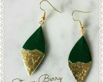 ELEGANT CARD EARRINGS