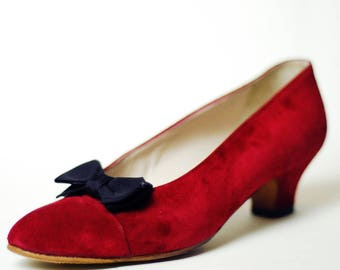 Authentic Vintage CHANEL Suede Pointed Cap Toe Pumps With Bow Accent, Red Burgundy Wine Holiday Shoes, Women's Size US 7.5 / 8 | IT 37.5