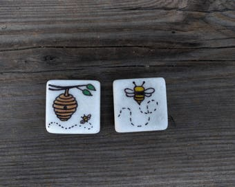 Flying Bee Refrigerator Magnets
