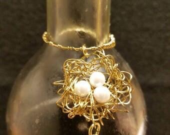 Pearl White Bird's Nest Wine Charm With Swarovski Crystal