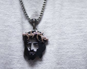 Necklace with Pendant of Jesus