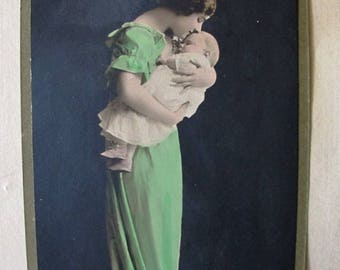 Mother and baby calendar from 1919