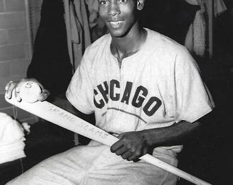 Ernie Banks Chicago Cubs star unsigned 8x10 photo legend