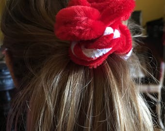 Hair bow red and white