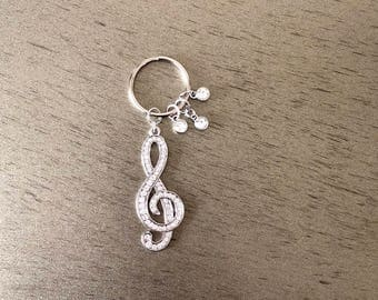 Music lovers keychain of treble clef