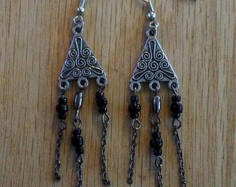 Triangle dangled earrings