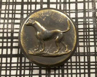 Large British hunting/livery button, dating late 1800's to early 1900's.