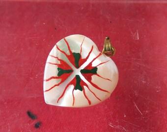 bijoux pendentif contemporain figurant le drapeau Basque ou ikurriña,cœur,contemporary pendant jewelry featuring the Basque or ikurriña flag