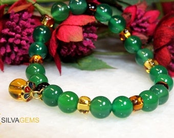 Genuine Green Agate Gemstone Stretch Ladies Beaded Bracelet with a Flower Charm. Agate Bracelet.