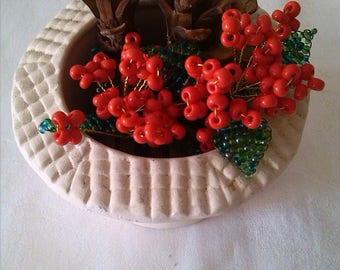 Flower arrangement. Christmas beaded flowers. Thanksgiving flowers. Christmas gift. Christmas decoration. Guy de Noel.Fleurs eternal.