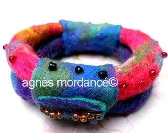 """Wide bracelet wool felt """"the girl robot"""" Merino felt, beads - unique"""