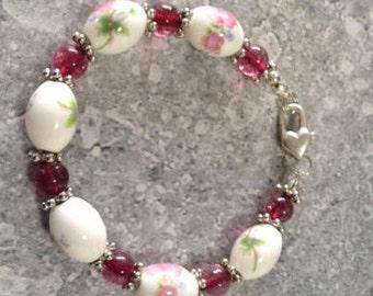 Porcelain and Garnet beaded bracelet