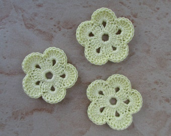 set of 3 pale pale yellow flowers 5 petals crochet