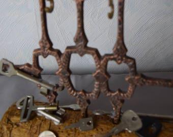 Schlüsselständer / Schlüsselbrett / moderne Gußskulptur für Schlüssel / Holz-Metall Schlüsselständer