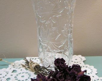 Lead Cystal Vase with Maple Leaf Design