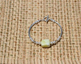 natural stone bracelet with Swarovski crystals and pearls