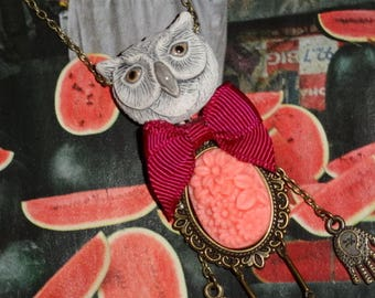 (Night) life in pink: pendant on chain