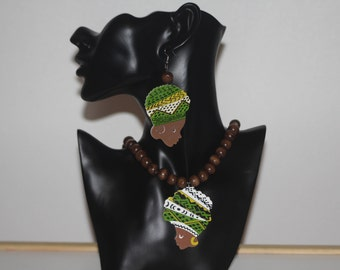 Afrocentric Necklace, earrings, wooden beads, afro woman, african woman, woman sillhouette, charms, headwrap, jewellery set