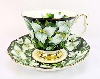 Vintage Royal Albert Provincial Flowers, Trillium, porcelain teacup from 1975