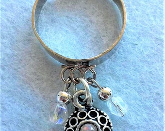 Adjustable ring with charms
