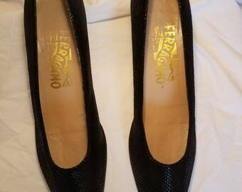 Vintage Salvatore Ferragamo pumps