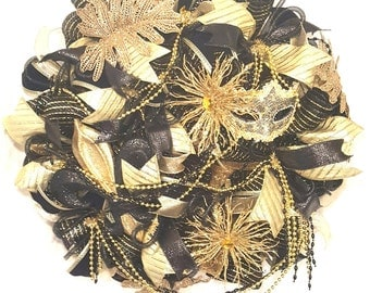 black and gold mardi gras wreath, black and gold fleur de lis wreath, mardi gras wreath, fat tuesday wreath, black and gold mask, mardi gras
