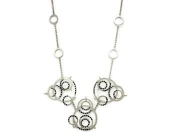 Necklace orbits