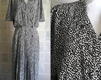 Vintage 90s does 40s Black & White Dress - Size 14-16