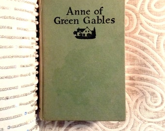 Anne of Green Gables, by Lucy Maud Montgomery, c 1960, Vintage Classics, Vintage Books, Bestseller