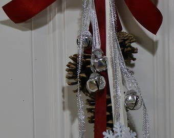 Holiday Door Swag, Door Knocker, Pinecone, Wall Decoration
