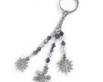 snowflake keyring, snowflake gift, beaded bag charm, winter keychain, silver snowflake, christmas keyring, keyring, stocking filler,