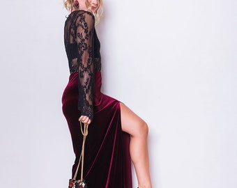Vintage 90s Burgundy Velvet Maxi Skirt with Slit, Size 12