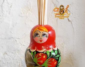 "Painted wooden ""Matryoshka"" Russian Khohloma doll toothpick holder. (Ref:10.3 - 1)."