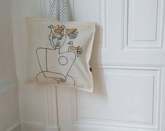 Tote Bag woman with doves