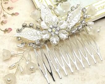 Flower Hair Comb, Bridal Headpieces, Wedding hair accessories, Bridal comb, crystal Hair comb, Ivory pearl comb, Floral Comb Pearl Hair Comb