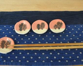 Mocha Diffusion Chopstick Holder 8
