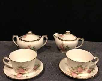 Art Deco tea/coffee cups with saucers and covered sugar and creamer