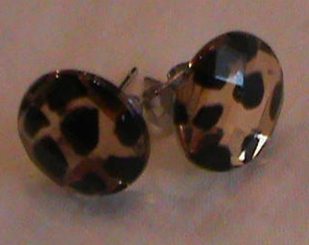 Brown Leopard-spotted studded earrings