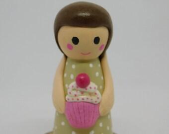 Cupcake peg doll