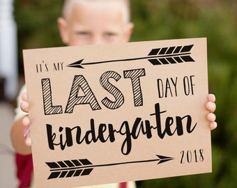 Last Day of School signs for 2018, arrow printable signs for the last day of school, instant download