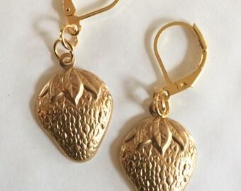 Strawberry earrings vintage raw brass for pierced ears