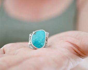Turquoise and Feather ring. Sterling silver Turquoise ring with Feather band. Turquoise ring, feather ring, Kingman Turquoise, statement.