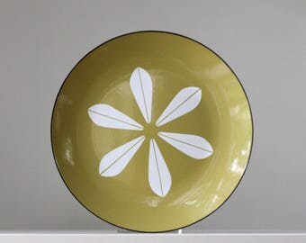 Cathrineholm Lotus Pattern Plate, Avocado Green Cathrineholm Plate, Cathrineholm Serving Plate, Scandinavian Modern Home