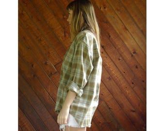 Boyfriend Plaid l/s Button Down Shirt - Vintage 90s - M