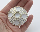 Vintage White Gold Etched Cabochons Carved Cabs Ornate Round Dome 45mm (2)